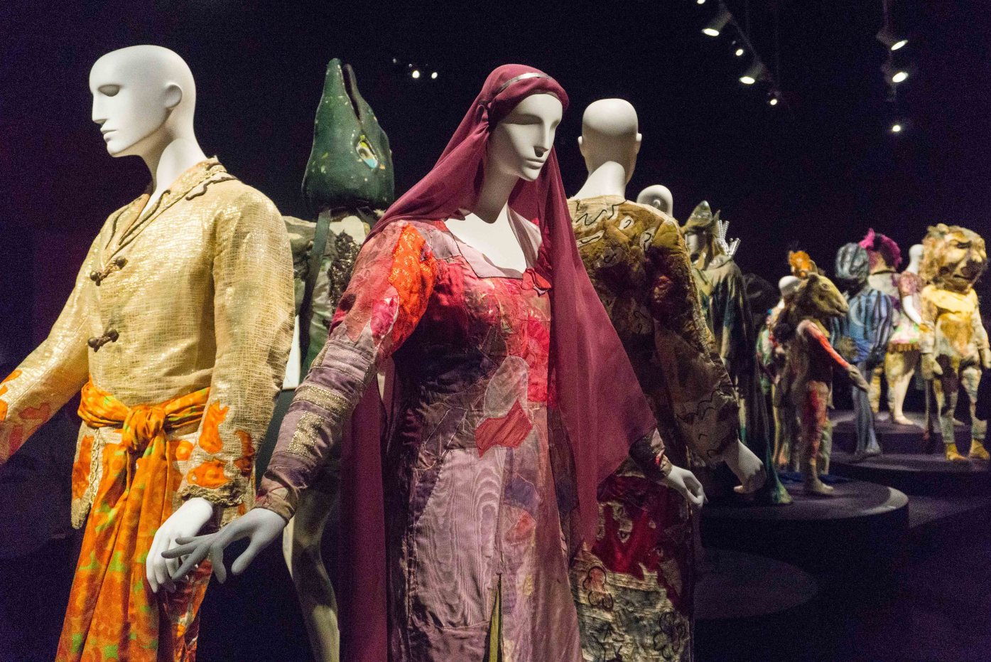Marc-Chagall-Montreal-Magic-flute-costumes-3